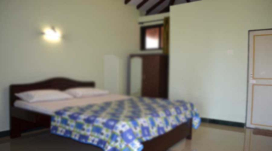 budget hotel in karde at hotelinkonkan.com