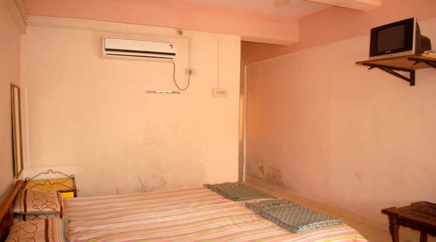 Ac room in hedvi