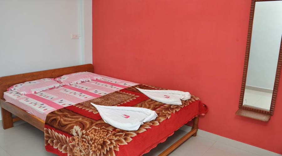 Ac rooms in Tarka Residency ganpatipule hotelsinkonkan.in