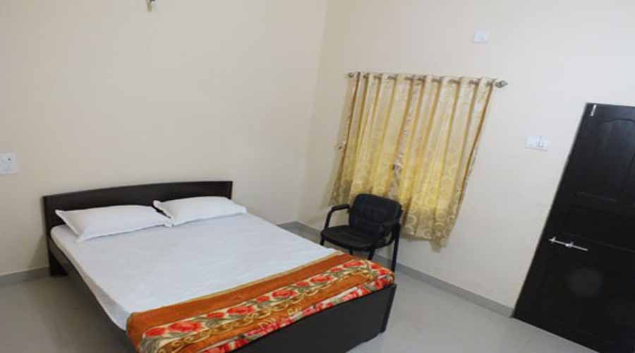 Paarijaat Holiday Inn in nagaon at hotelinkonkan.com