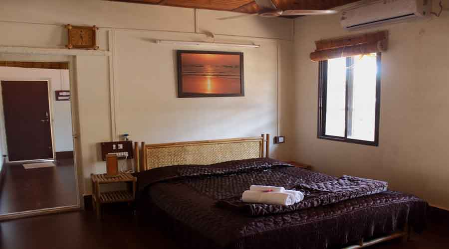 Couple Room in dapoli