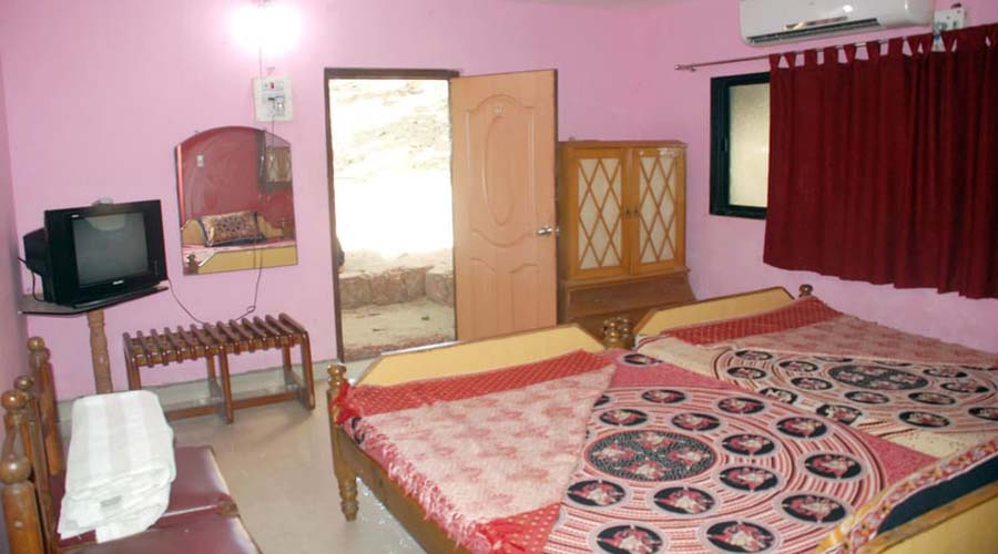 budget hotels hotels in tarkarli Manali Resort hotelsinkonkan.in