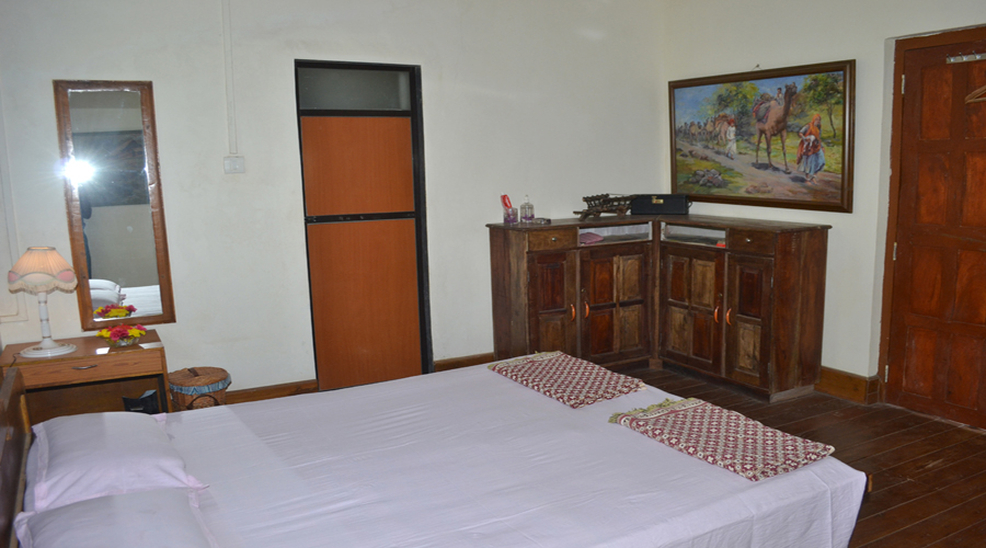 accomodation near harnai beach croft resort