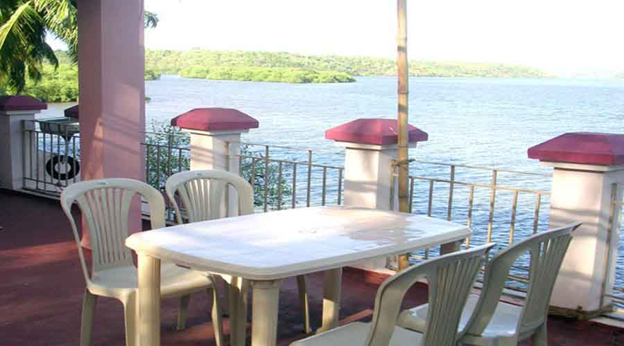 Dreamland Resort backwater in devgad at hotelinkonkan.com