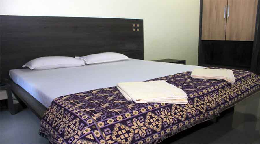 Hotel Diamond in devgad at hotelinkonkan.com