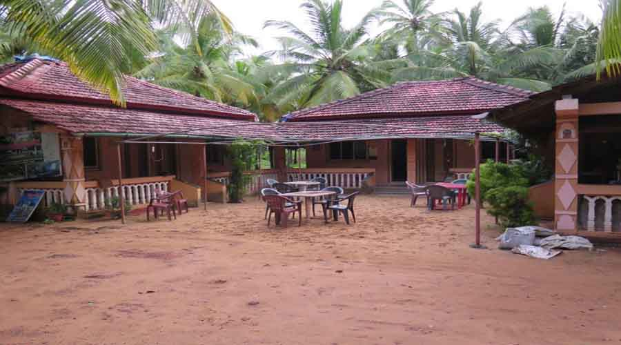 Omkar Deluxe Beach Resort in devbaug at hotelinkonkan.com