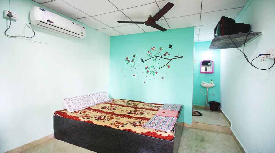 Ac rooms in Malvan