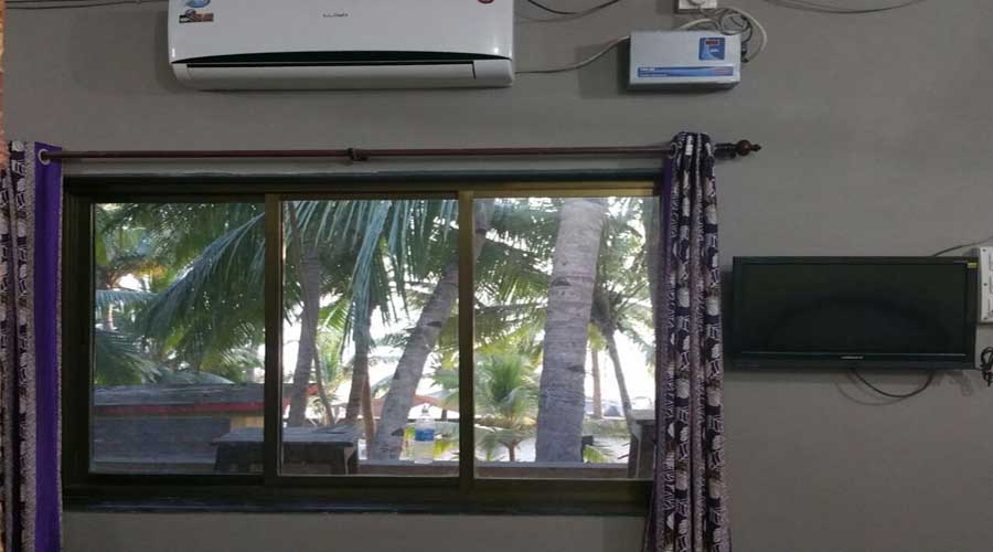 Ac room in Malvan