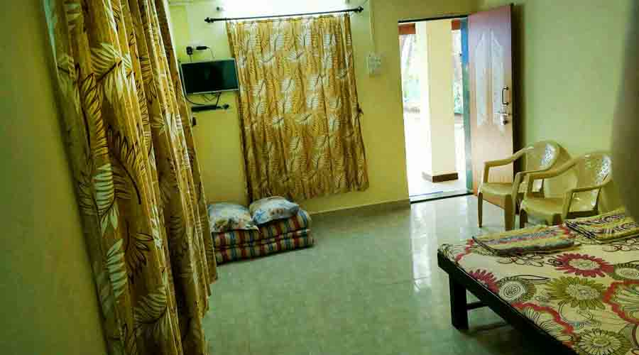 Mukund Holiday Home in nagaon at hotelinkonkan.com