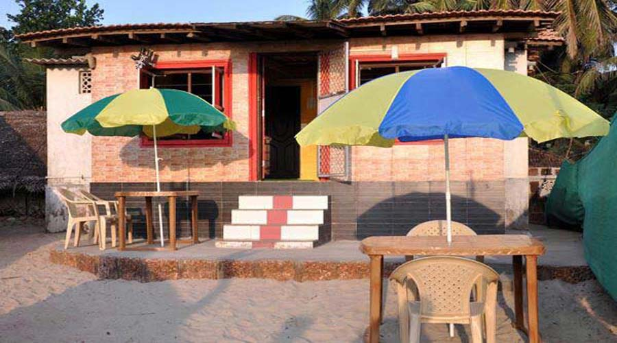 Sham Sundar Beach Resort in devbaug at hotelinkonkan.com