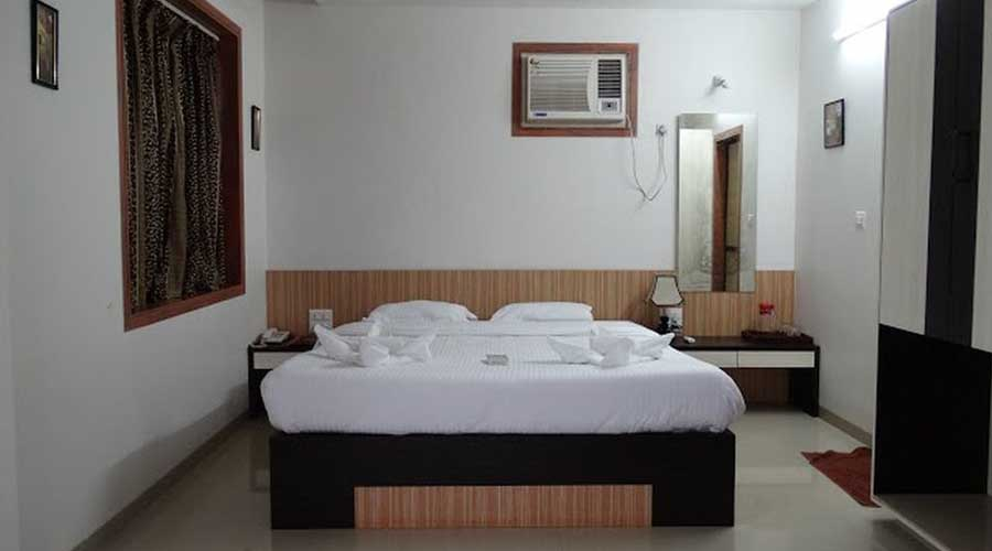 famous hotels in Abhishek Bech Resort in ganapatipule luxury hotels in ganapatipule hotelsinkonkan.in