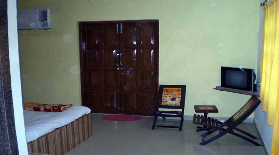 Ac room in nagaon at hotelinkonkan.com
