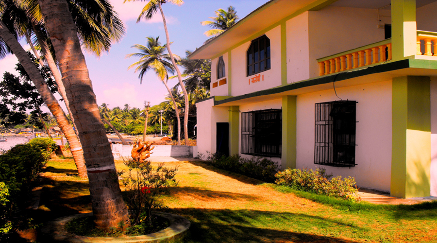 Coconut cottage in malvan