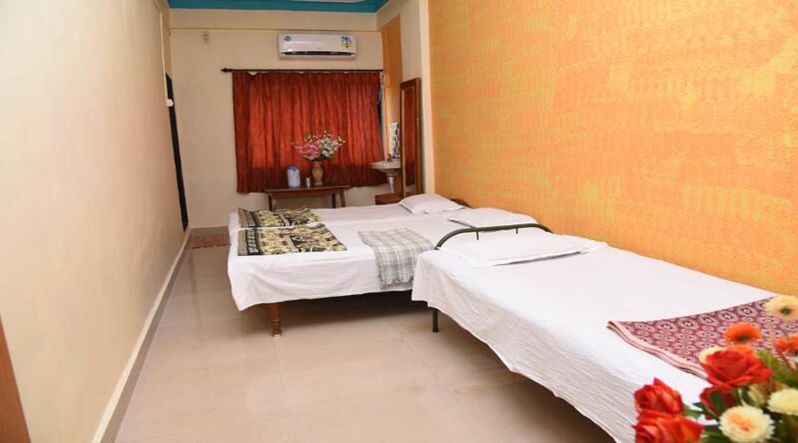 Three bed Ac room in dapoli