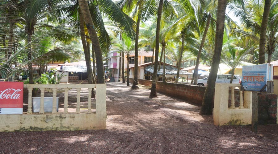 sadachandra resort near ladghar beach