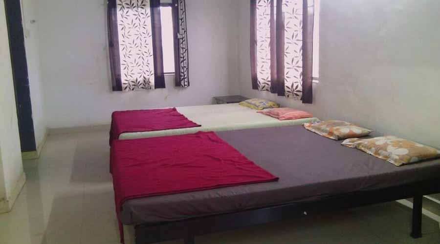 non ac room in panhala