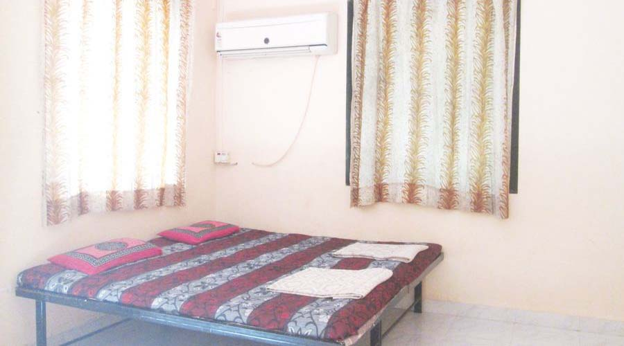 Ac room Dolphin Resort diveagar economy cottage hotelsinkonkan.in