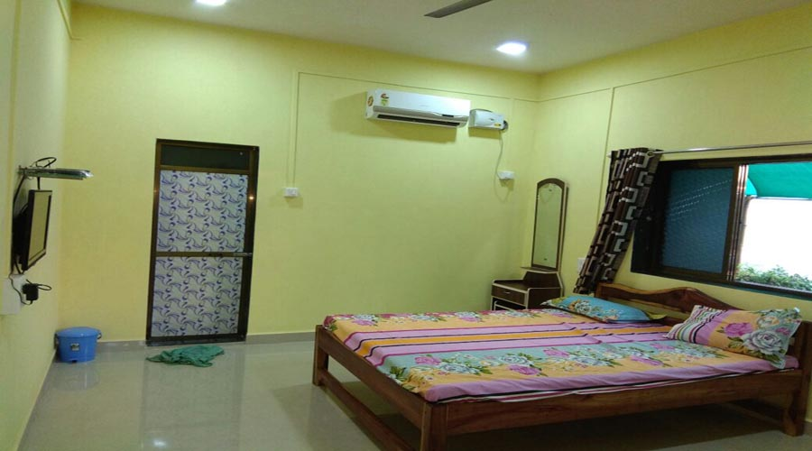 Ac room in devbaug at hotelinkonkan.com