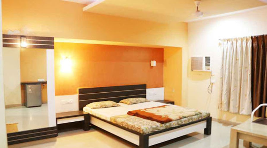 Hotel New Pathik in dapoli at hotelinkonkan.com