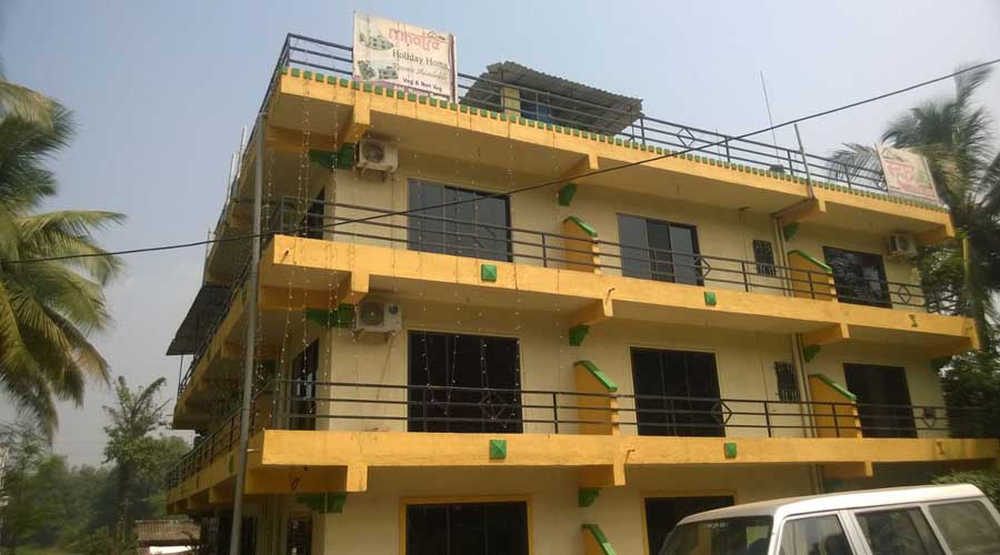 Mhatre Holiday Home in nagaon at hotelinkonkan.com