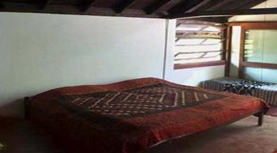 Non ac room Niragas Cottage nagaon alibaug hotelsinkonkan.in