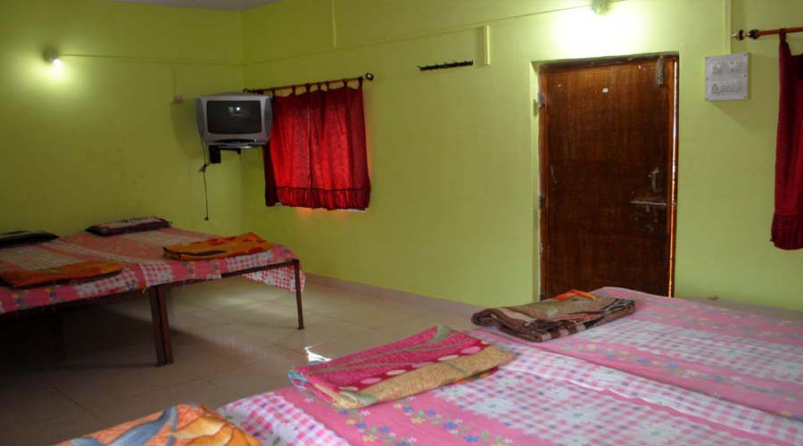 accomodation near diveagar beach-soham guest house