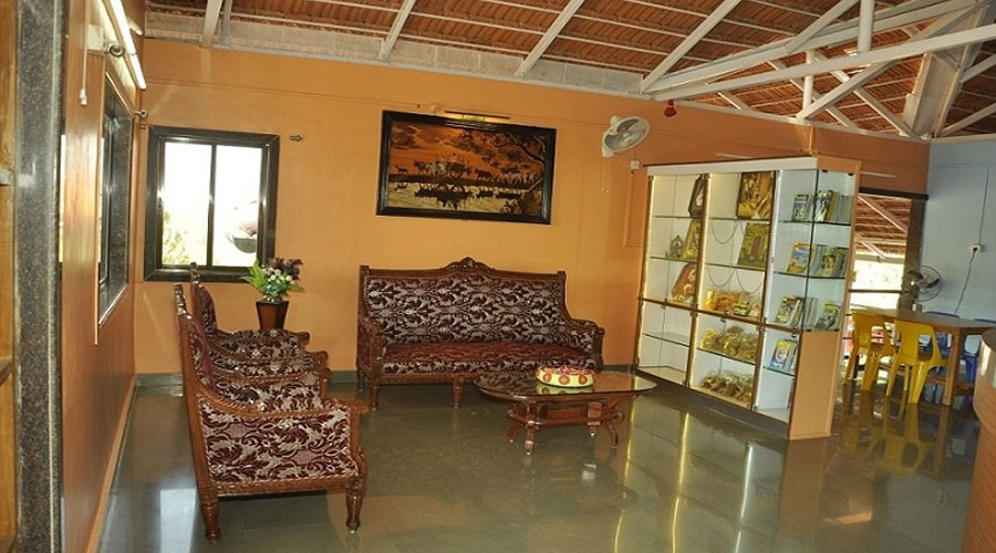 Hotel Vanashree Amba Room Photo