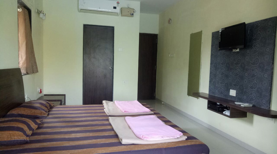 Rajas Cottage nagaon