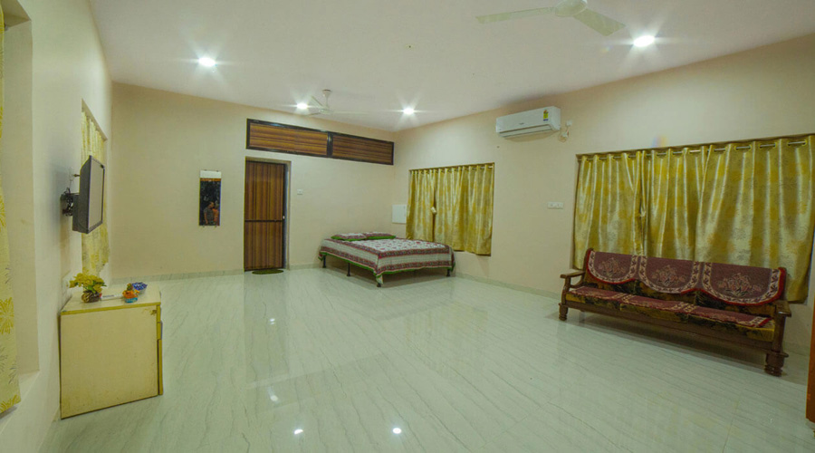 Couple Ac Room (with Non Veg Food) in nagaon