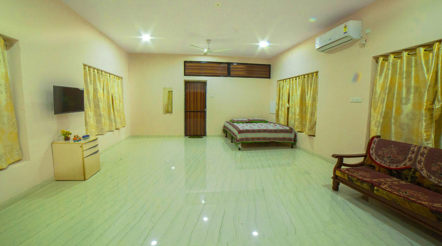 Couple ac room in nagaon