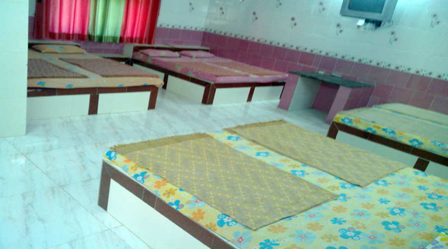 8 bedded room in harihareshwar
